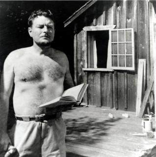 malcolm-lowry-and-his-shack-in-1940s-dollarton